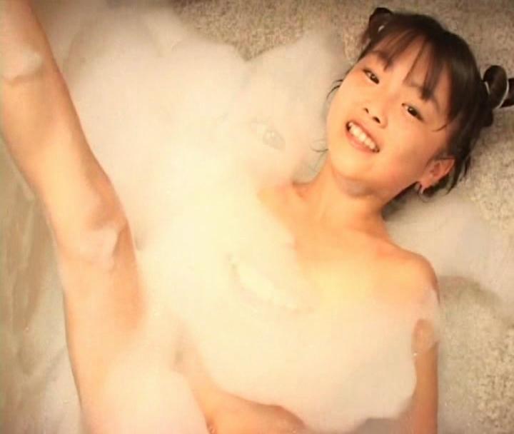 めちゃカワjsジュニアアイドルがふじこポロリ!アソコの形クッキリ!ノーブラノーパン裸入浴!!